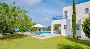 Azzurro Holiday Villa's